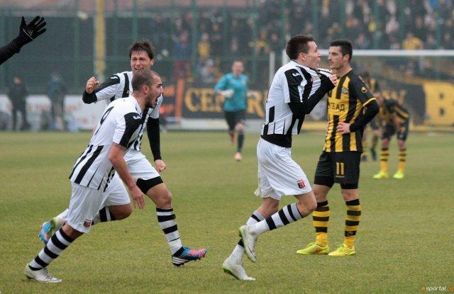3 декември 2014 г., последна минута на осминафинала за Купата. Бирсент Карагарен току-що е отбелязал за 2:1